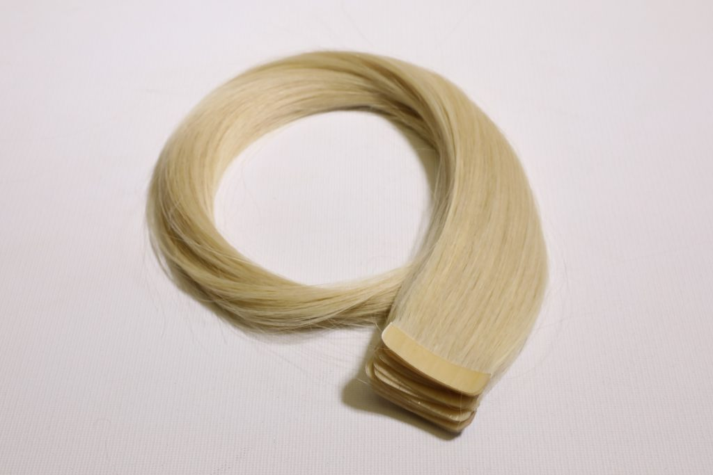 tape in extension butterfly blond